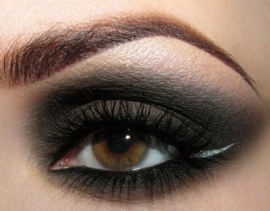 1-dark-eye-shadow
