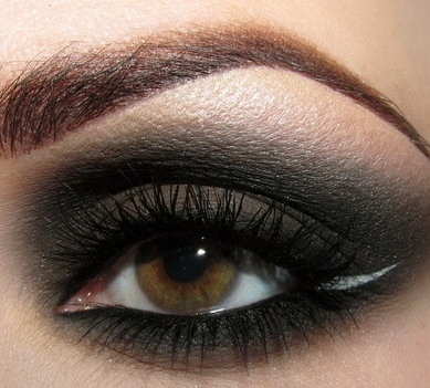 1-dark-eye-shadow